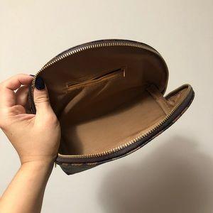 Bags - LOUIS VUITTON DUPE ✨ Damier Makeup Pouch